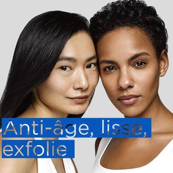 Les soins anti-âge haute performance de la gamme RESURFACE de NEOSTRATA® ont été formulés pour les peaux normales à grasses. L'actif essentiel de la gamme Resurface est l'acide glycolique. C'est un alpha Hydroxy acide (AHA) plus connu sous le nom d'acide de fruit. L'acide glycolique est le plus petit acide organique de la classe des AHAs. Sa taille lui permet de pénétrer facilement dans la couche cornée de la peau. Outre son usage dans les soins cosmétiques quotidien, l'acide glycolique est aussi utilisé dans des produits professionnels pour réaliser des peelings. L'acide glycolique est préparé à partir du sucre de canne. Les propriétés anti-âge de l'acide glycolique ont un mode d'action aujourd'hui bien connu, découvert par 2 chercheurs américains à l'origine de la fondation de la firme Neostrata en 1988. L'acide glycolique agit d'abord au niveau de l'épiderme. Il aide à éliminer les cellules mortes, et améliore le renouvellement de l'épiderme. Il renforce ainsi l'éclat du teint. Il agit aussi sur le derme en stimulant les cellules qui fabriquent le collagène et l'acide hyaluronique, renforçant ainsi la fermeté de la peau. Comme tous les acides de fruit, l'acide glycolique est hydratant ☁️  #neostrata #neostratafrance #resurface #collagene #acides #myself #selfcare #skincareroutine #routine